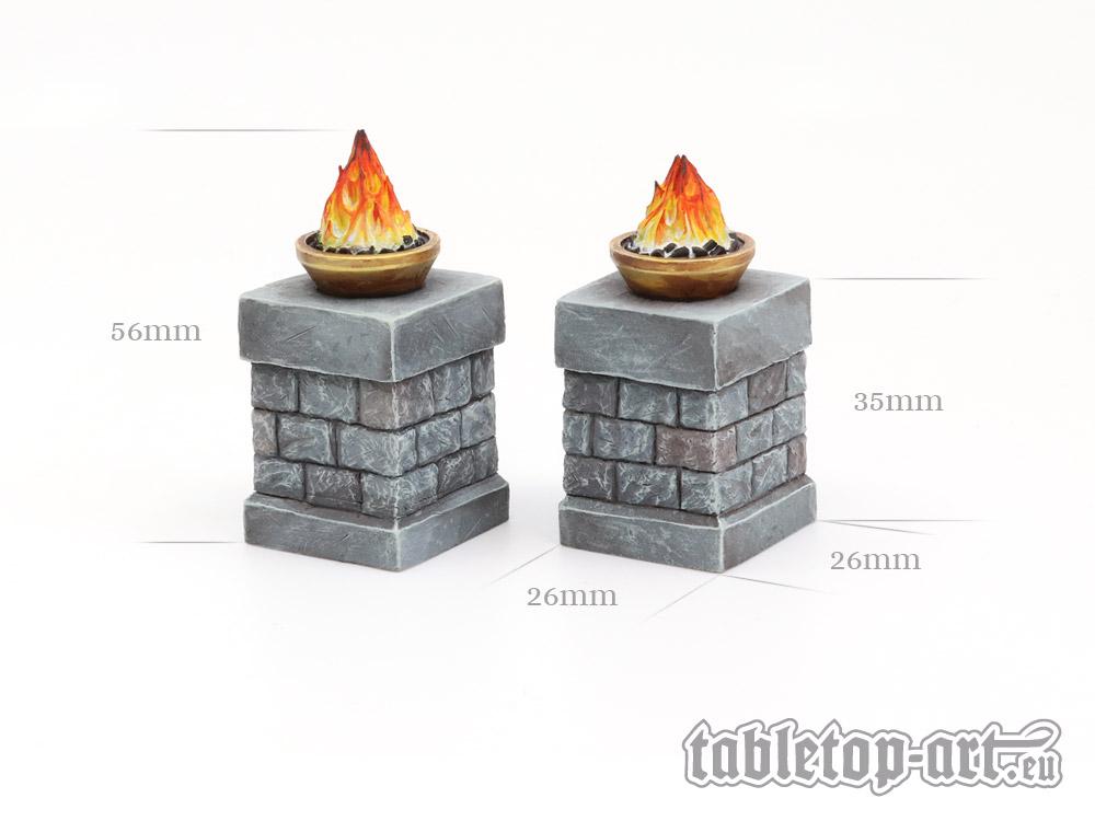 Feuerschalen auf Säulen